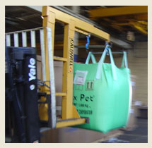 Dameo boxing, bagging of bulk plastic material and Super Sack trans-loading from sea containers